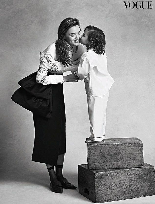 Flynn Bloom's first photoshoot with mom Miranda Kerr is TOO cute. Love these two! ♥    186      78