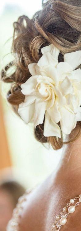 Gorgeous gardenia wedding hair accessory.