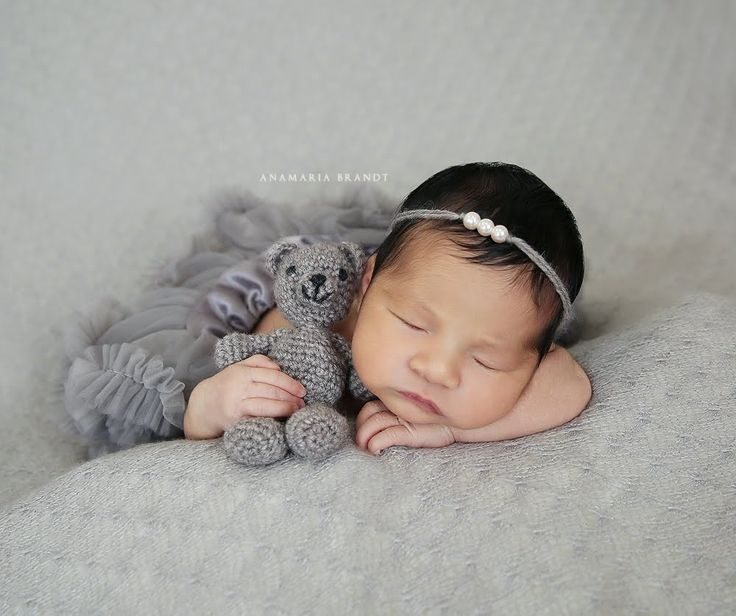 Transitional newborn posing with baby girl alexis photographed by ana br newbornphotography