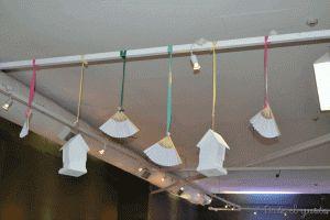Deco colgante de abanicos y casitas Para presupuestos consultar a dateelgustoeventos@gmail.com
