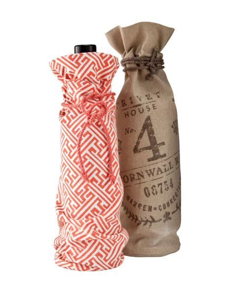#MothersDay gift idea: Pretty wine bags from the brand-new Privet House collection @Target. Only $6.99!: Gifts Bags, Mothersday Gifts Ideas, Mothers Day Gifts, Houses Collection, Houses Wine, Target Privet, Gifts Guide, Privet Houses, Wine Gifts