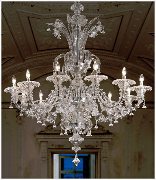 Hand crafted clear Murano glass lighting artwork, traditional Venetian Murano glass chandelier with 12 light candles