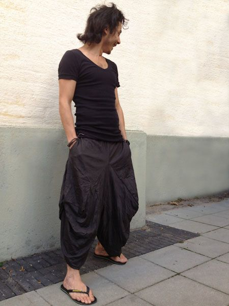 Black Stretch Samurai Pants.   Samurai pants, also called Harem or Boho pants are loose fitting, free flowing and are great for both casual and active wear. Suitable for both men and women.    The unique design of Samurai pants allows for complete freedom of movement making them ideal for dance wear, yoga, meditation, training and massage.