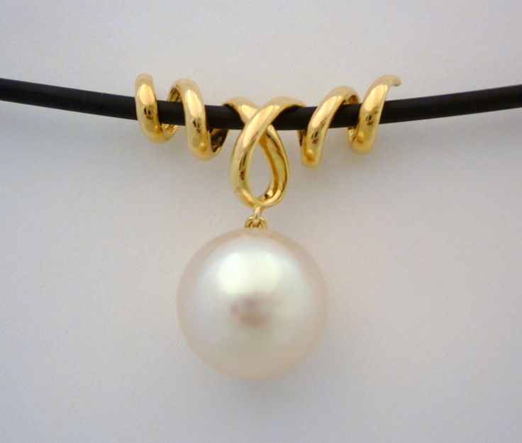 South Sea and gold twist design pendant on neoprene #pearl #gold #necklace #neoprene