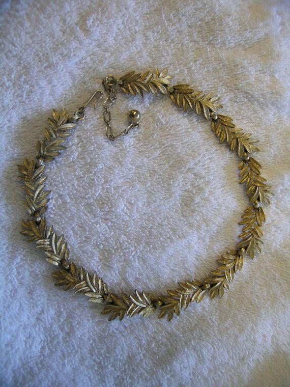 Trifari Crown Wreath Necklace Gold