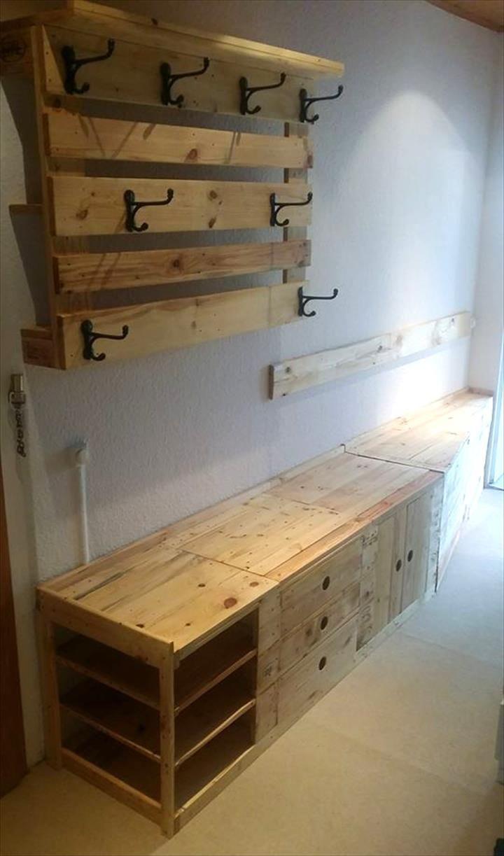 Pallet Mudroom Bench & Wall Organizer | 101 Pallets