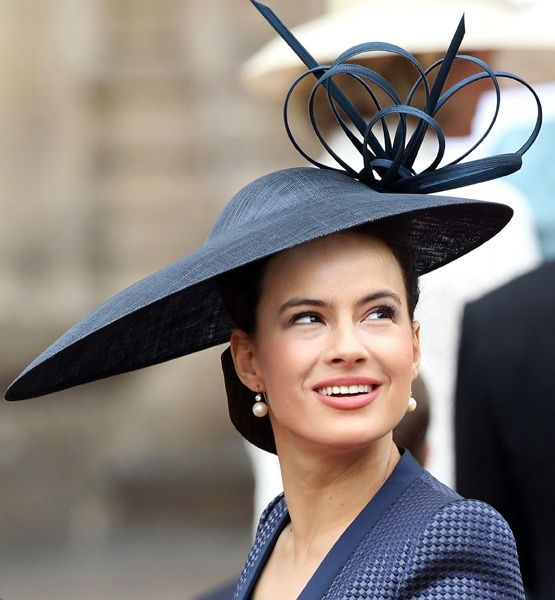 HIT: Sophie Winkleman  She is so beautiful and her hat looks amazing on her.