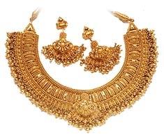 Google Image Result for http://4.bp.blogspot.com/-7vr41zIICjQ/Tnn6xdBeOxI/AAAAAAAAAes/lYjRGsS9nug/s1600/indian-gold-jewellery-751330.jpg