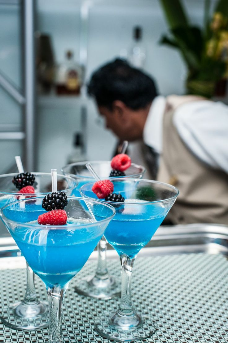 Blue signature drink for cocktails