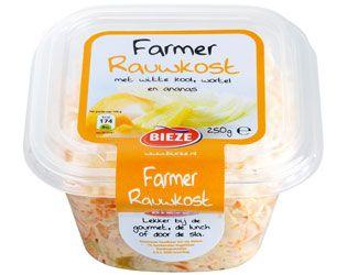 Farmer rauwkost is een knapperige salade rijkelijk gevuld met witte kool, wortel, ananas en selderie in een frisse witte dressing.