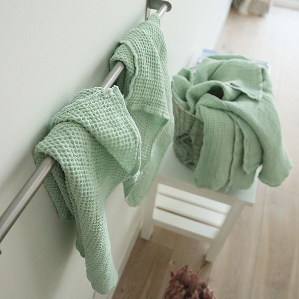 Set of Balsam Green Waffle Linen Bath and Hand Towels Washed   LinenMe. 78 Best images about Linen bathroom on Pinterest   Towels  White