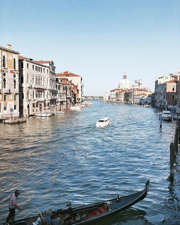 "Venezia - Canal Grande, Venezia 🛶 #canalgrande #venezia #venice #grandcanal #sunset"""
