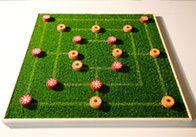 Rauf auf den Rasen: Dieses Mühle-Spiel bringt den Garten ins Wohnzimmer.