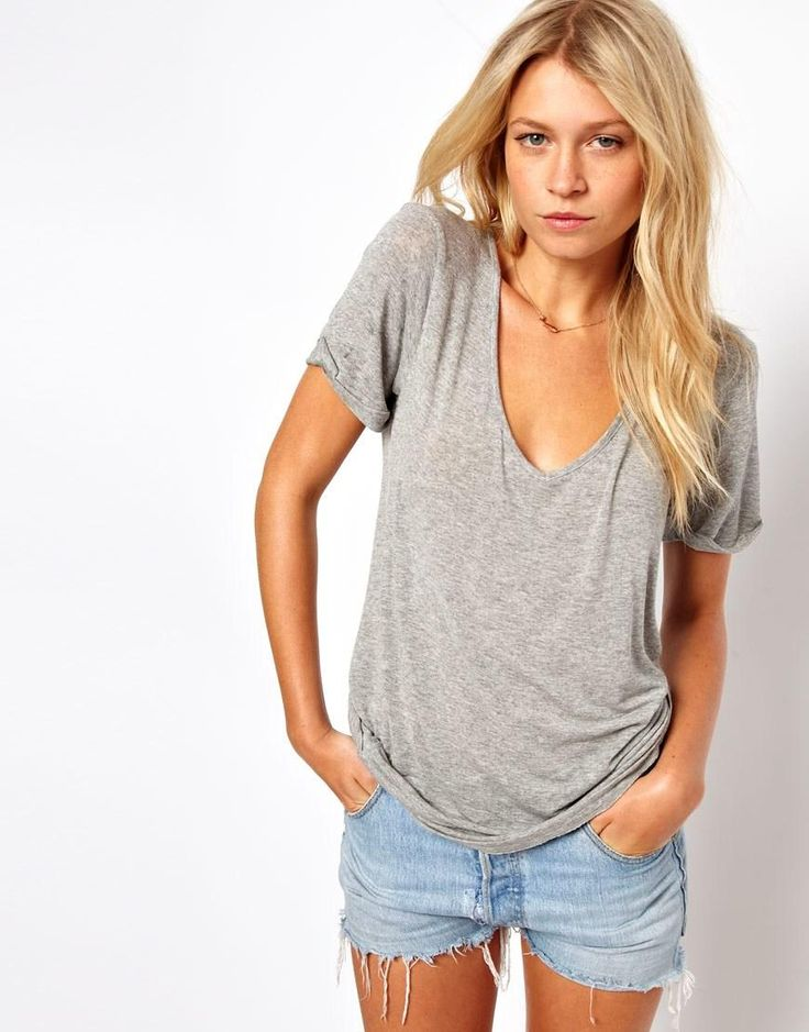 I would love to rock an outfit like this one... im just too pale for a grey shirt....makes me look like im sick haha