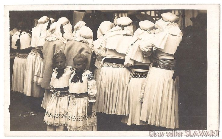POSTCARD Slovak photograph Karol Plicka folk costume girls skirts Zliechov kroj | eBay