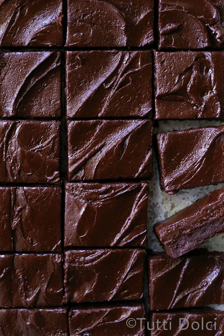 What is your dream brownie? Fudgy or cakey? With nuts or without? Kicked up with spices, or just pure chocolate goodness? When I recently spotted these gorgeous diner-style frosted brownies, I simp...