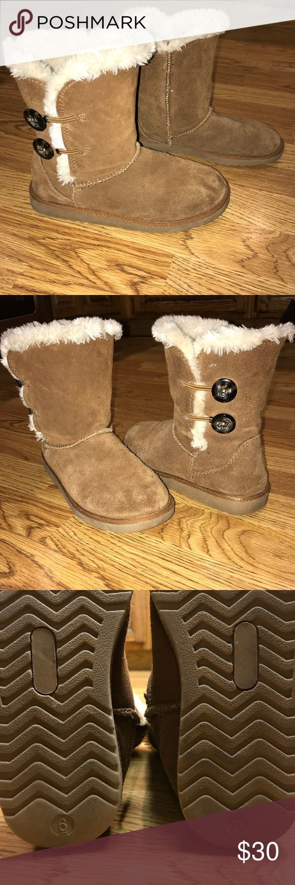 Very Cute Merona Boots 😍 Cute and comfortable Target boots! Perfect to throw on with leggings or jeans. ❤️ Send me an offer! 😍 Merona Shoes Winter & Rain Boots