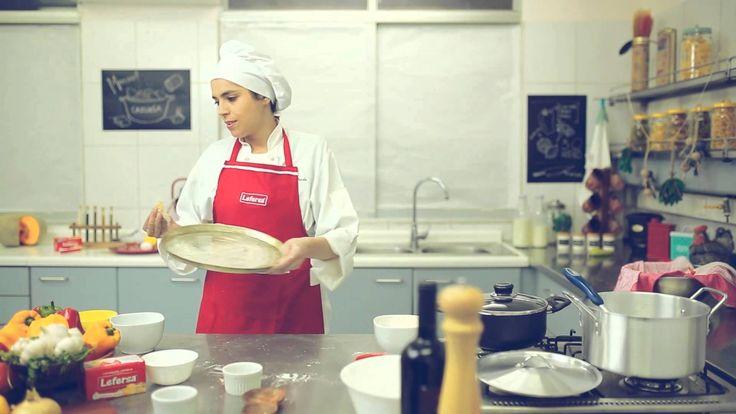 Revisa nuestra 4ta VIDEO RECETA para aprender a armar una rica PIZZA en casa de forma fácil y rápida! El video está bien bonito, espero les guste y no olviden suscribir!! http://youtu.be/u-k26nn6Zns #atreveteamasarencasa #hacerpizza #masapizza #pizza #receta #youtube