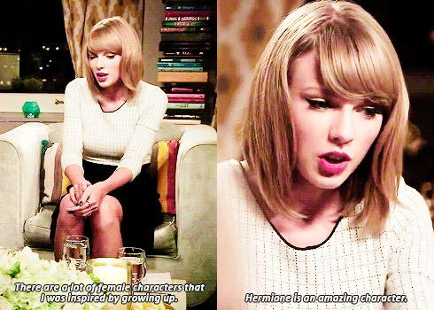 Reading Opens a World of Possible with Taylor Swift <3 (gifset: http://fyeahtaylor.tumblr.com/post/106831301788)