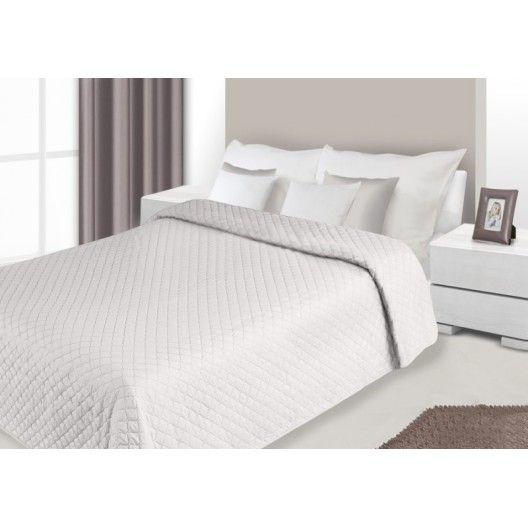 Prehozy na postele bielo hnedej farby s prešívaným vzorom