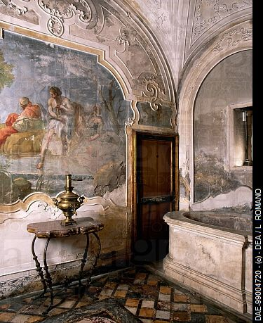 Bathroom, Palazzo Biscari, Catania (UNESCO World Heritage List, 2002), Sicily. Italy, 18th century. #lsicilia  #sicily #catania
