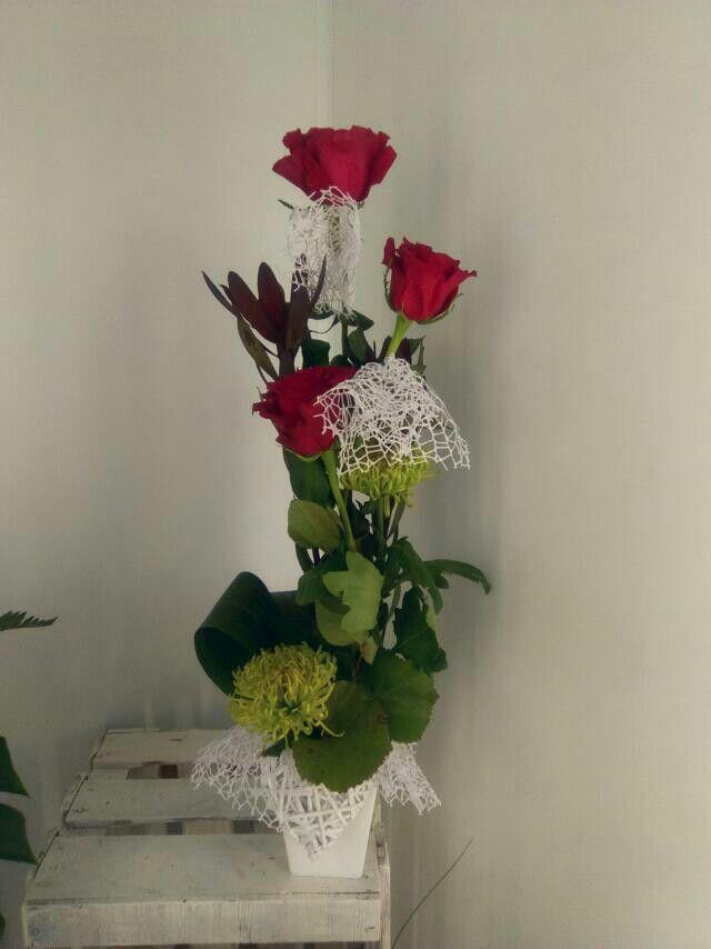 Tres rosas.