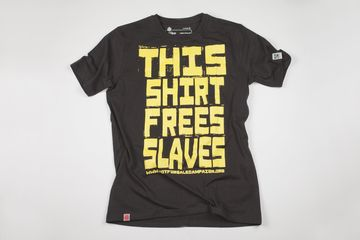 This Shirt Free Slaves / Black Unisex - Fair Trade Shop. #tshirt #fairtrade