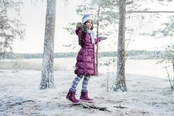 Enjoy the first snow in Reima's winter clothes.