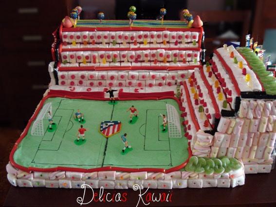 """Delicias Kawaii: Tarta de chuches XXL """"Campo de fútbol"""""""