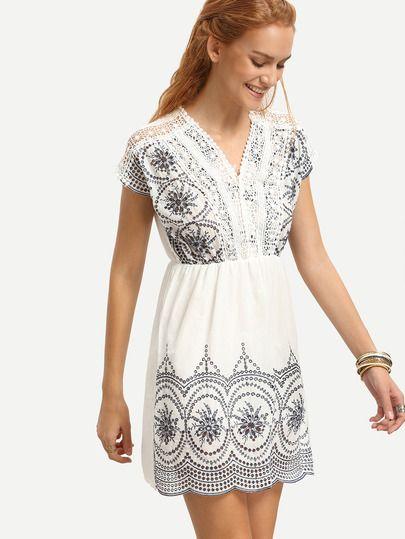 Kleid V-Ausschnitt mit Stickereien und Spitzeneinsatz