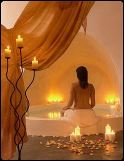 Nothing is more luxurious than having candles in the bathroom to help you relax & feel pampered!