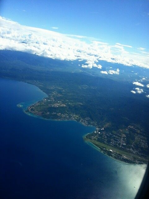 Dari atas kota manokwari, papua barat. So beautiful indonesiaa~ #indonesia bagus!
