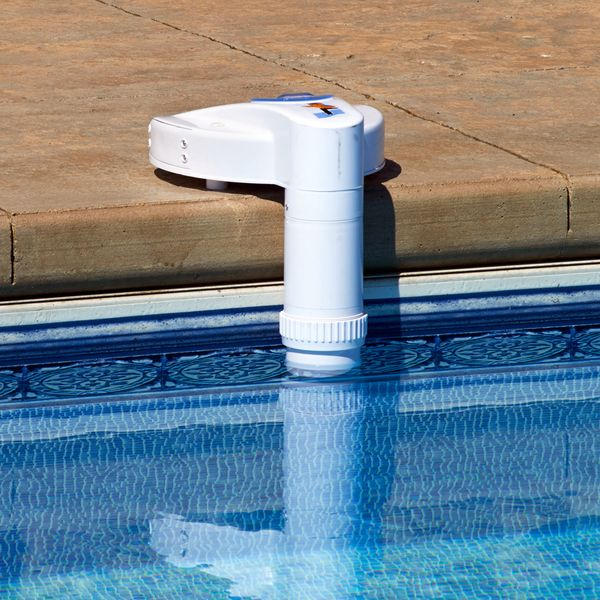 The new Poolwatch pool alarm system works with both above-ground and in-ground pools to provide you with an efficient yet trouble-free solution to pool security.Loaded with patented features, the Pool