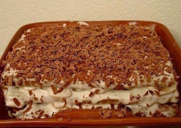 Лучшие кулинарные рецепты : Торт из печенья с бананом на скорую руку