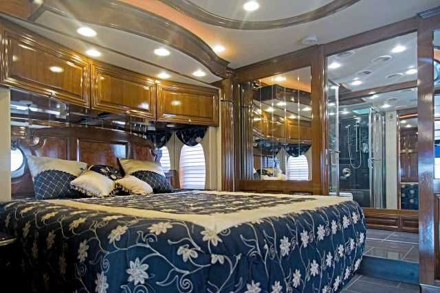2012 Used Newmar Essex 4544 Class A in Ohio OH.Recreational Vehicle, rv, (UPDATED LISTING) 2012 Newmar 45' Essex 4544. Full Wall/ Slide Bath and a Half.Stored in Conditioned Garage, Immaculate Condition. Seriously for sale, New King Aire in the garage! Fresh coach care service with all filters and fluids changed, New steer tires and Koni adj. front shocks. Spartan K2 Chassis. Fenwick Full Paint and Decor, Ginger Glazed Cherry Cabinets, Stacked Washer and Dryer, Advantium Speedcook Microwave…