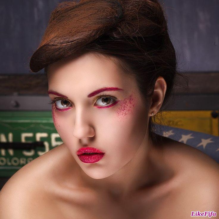 #Акценты_вокруг_глаз, #розовая_подводка, #розовые_брови, #макияж_в_розовых_тонах
