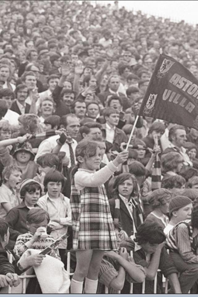 Vintage Aston Villa fans pic