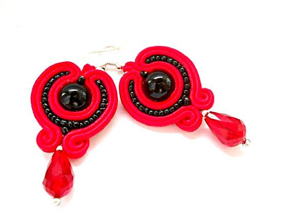 Soutache earrings in colours : black and red by SoutacheByMolicka