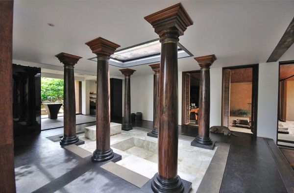 A cool idea to bring back traditional pieces (pillars) into contemporary homes.