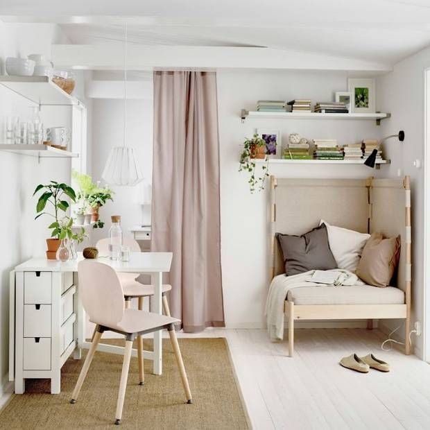 Small space decor: Mounted shelves & a dining table