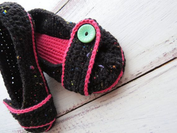 Crochet House Slippers Womens Slippers Pink by StoneyCreekKnitters