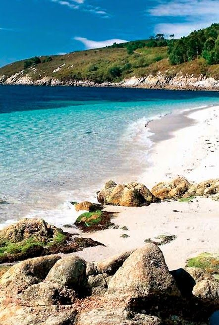 Islas Cies, Galicia -- The Cíes Islands are an archipelago off the coast of Pontevedra in Galicia (Spain), in the mouth of the Ría de Vigo