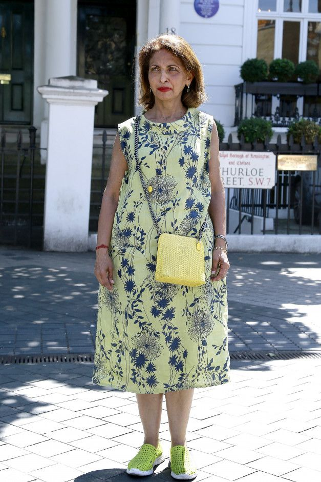 Street Style Fashion #10 ‐ Blog - Look Fabulous Forever // Makeup for Older Women by Tricia Cusden