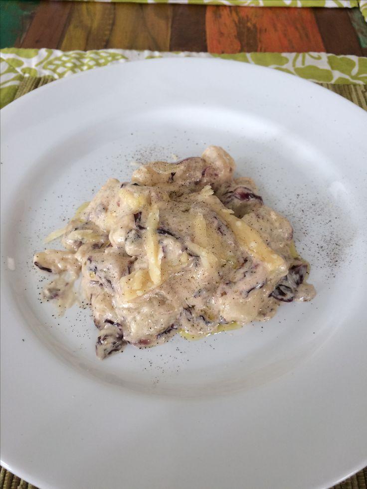 Gnocchi con crema di gorgonzola e radicchio - gnocchi with gorgonzola cream and radicchio