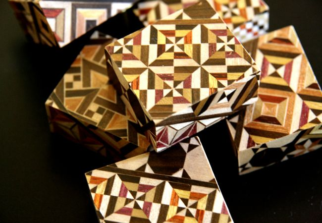 寄木細工 からくりオルゴール 寄木細工(日本伝統工芸品)の技を継承する箱根いづみや|商品詳細