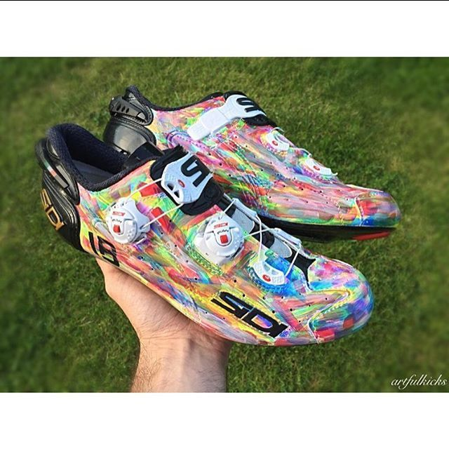 My sidi Hand painted shoes by @artfulkicks #shoeporn #cyclingshoes