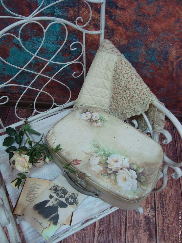 """Купить Чемоданчик """"Нежные воспоминания"""" - комбинированный, чемодан, ретро, подарок, для рукоделия, винтаж, чемоданчик, разные"""