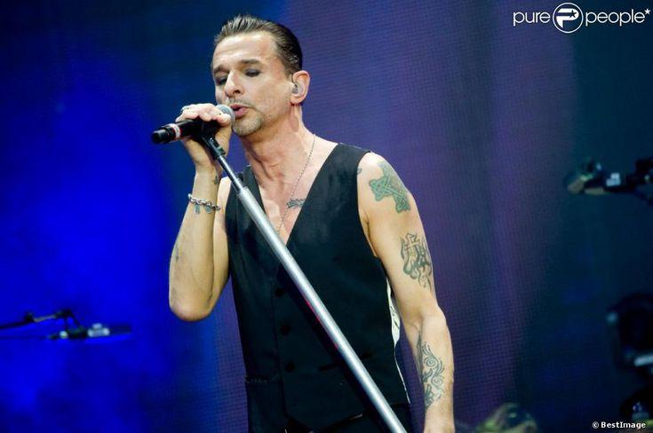 Dave Gahan sexy pour le concert de Depeche Mode au Stade de France, le 15 juin 2013.