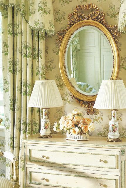 The Glam Pad: Bowood by Colefax and fowler in the Bedroom