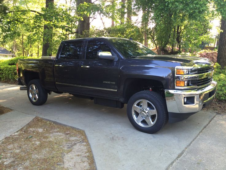 Leveled Out my 2015 Chevy 2500 HD Duramax
